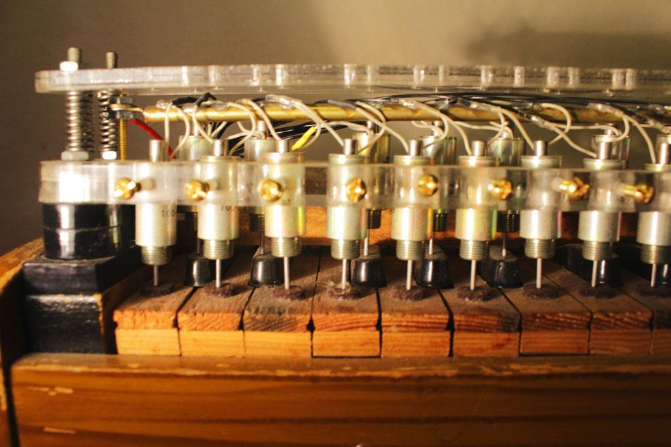 Robotic Harmonium