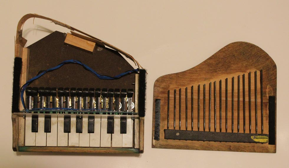 Robotic Toy Piano Inards
